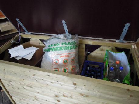 Weg met de afval in Tuinkist 143 met twee tussenschotten