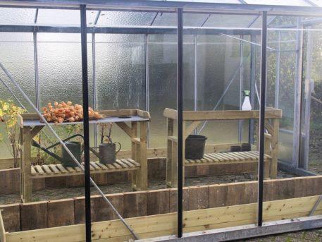 Tuinwerktafel 125 handig in kweekkas