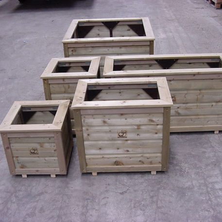 De houten plantenbak is er in verschillende maten