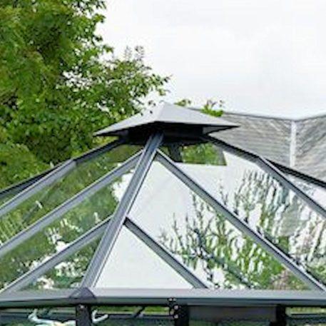 Nok in tuinkamer Oase zorgt voor ventilatie