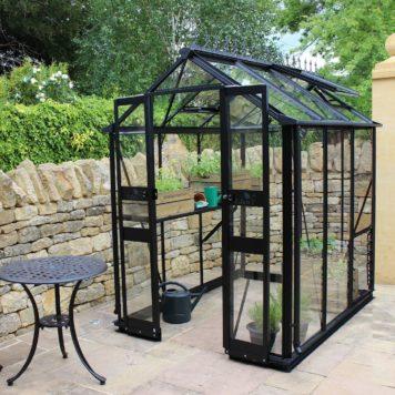 Birdlip 64 in zwart 148x194 cm