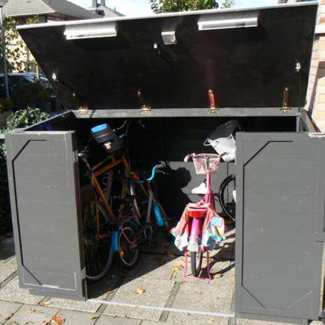 fietsberging Solida 200 geopend en grijs geschilderd